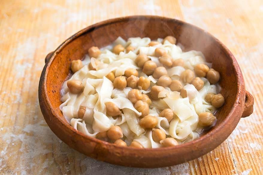 Lagane e ceci - lagagne pasta with chickpeas