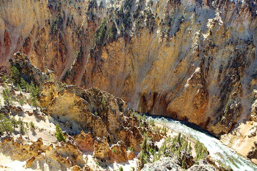 Yellowstone Canyon as seen from Grand View on the North Rim