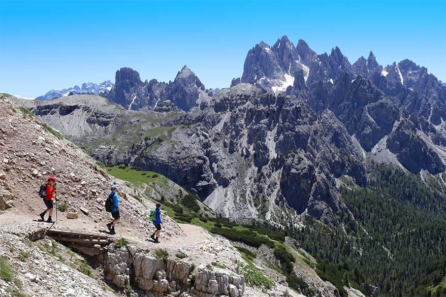 Hiking between Forcella del Col de Mezzo and Rifugio Auronzo