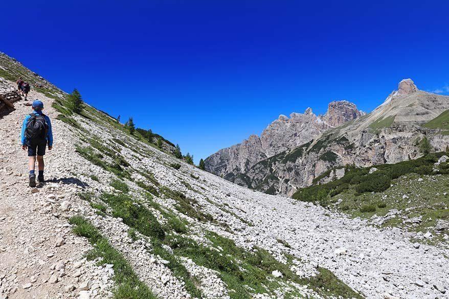 Hiking between Rifugio Locatelli and Malga Langalm