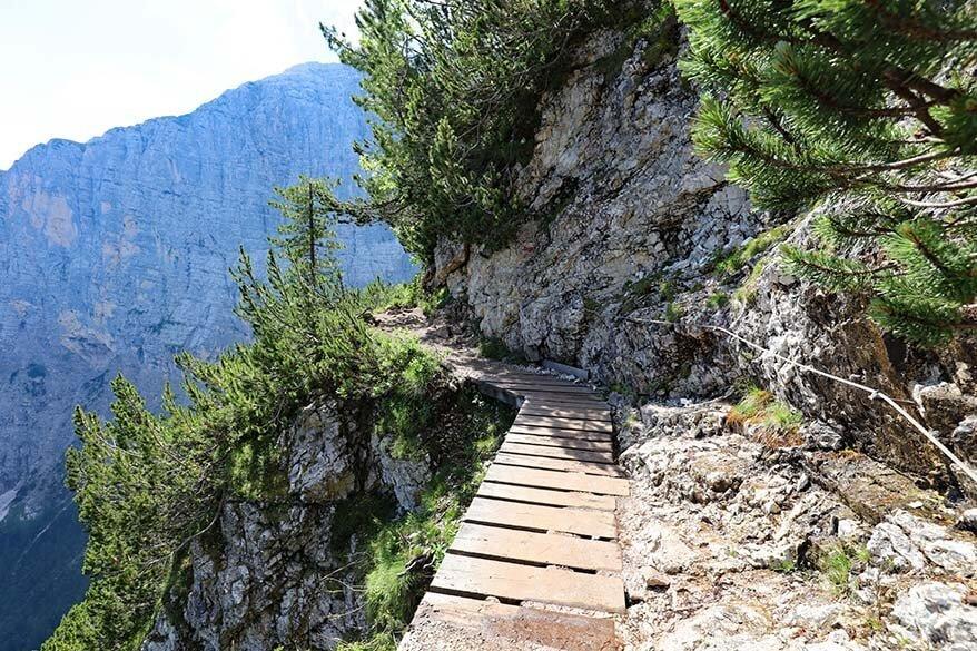 Narrow hiking trail on the way to Lake Sorapis