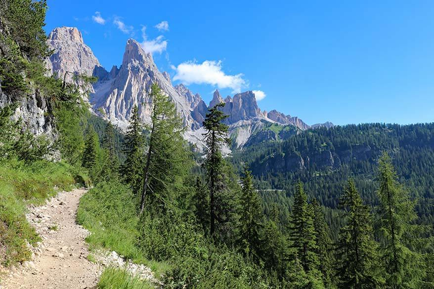 The first section of Lago di Sorapis hike