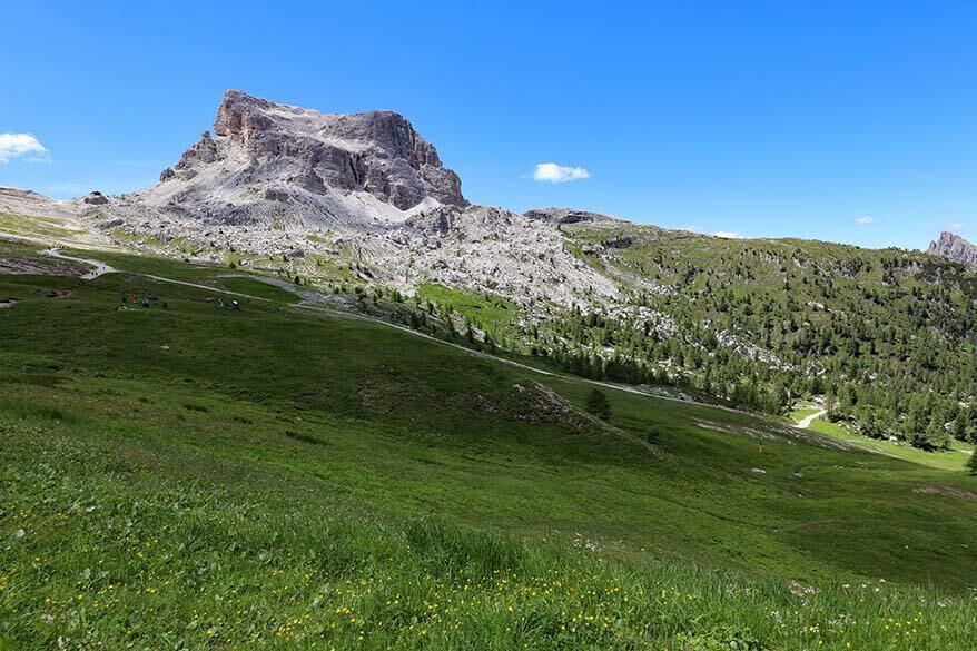 Hiking trail from Rifugio Scoiattoli to Rifugio Averau in the Italian Dolomites