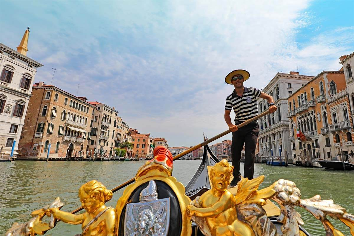 Gondola Ride in Venice: 7 Tips for a Better Experience
