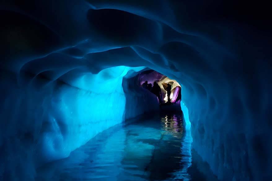 Tirol with kids - Hintertux Glacier Natural Ice Palace
