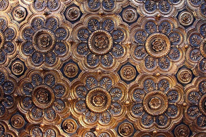 Ceiling of the Sala degli Scarlatti at Doges apartments in Doges Palace