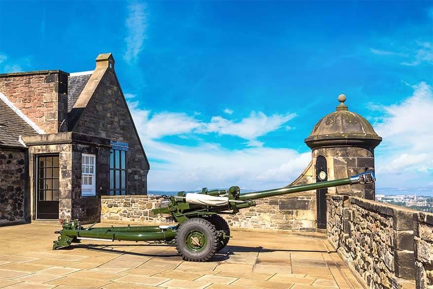One O'clock Gun Edinburgh Castle