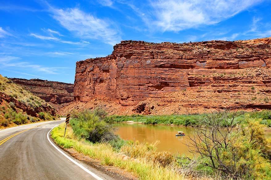 Utah road 128 next to the Colorado River