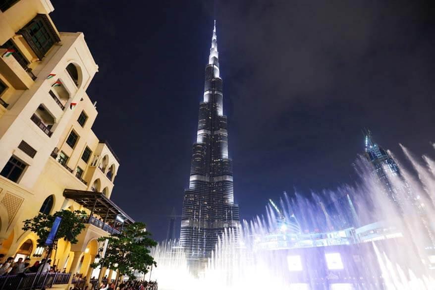 Dubai Fountains Show at The Burj Khalifa - best free things to do in Dubai