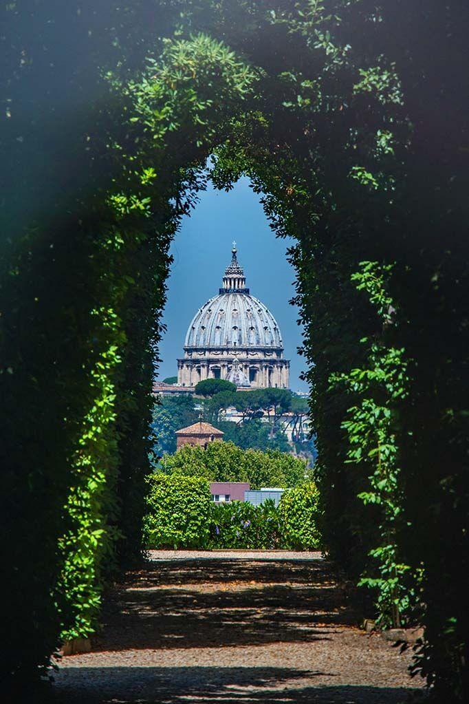 Knights of Malta Keyhole in Giardino degli Aranci in Rome
