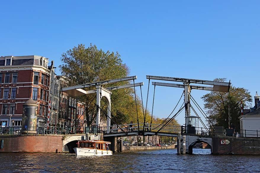 Walter Suskindbrug at Nieuwe Herengracht in Amsterdam