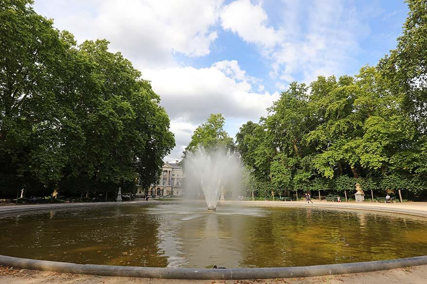 Brussels Park (Royal Park) fountain in summer