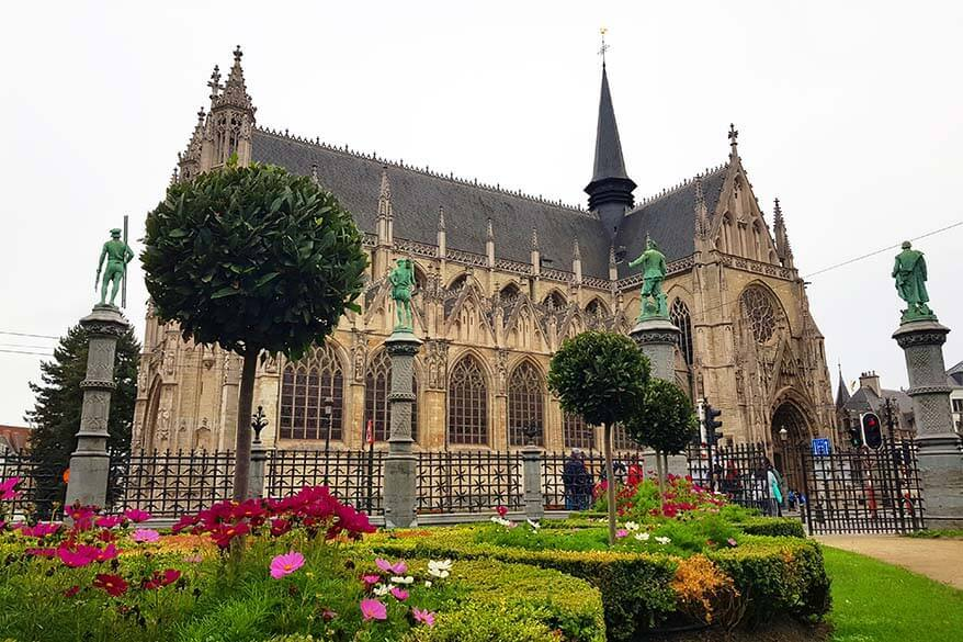 Petit Sablon church and park in Brussels