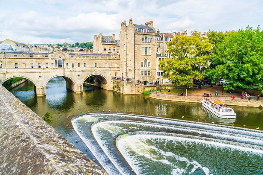 Pulteney Bridge over River Avon in Bath city UK