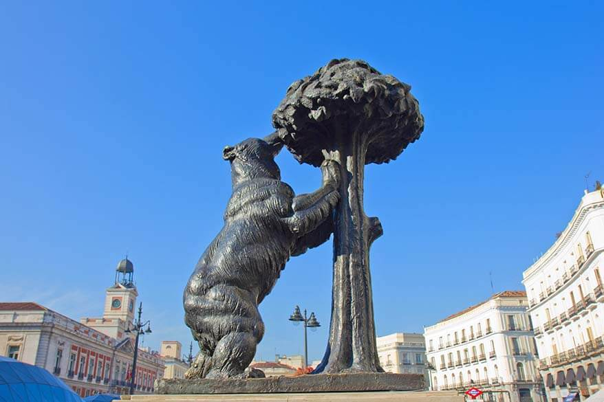 Statue of Bear and Strawberry Tree (El Oso y el Madrono) in Madrid Spain