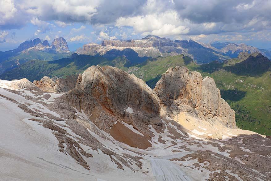 Dolomites mountain scenery at Serauta