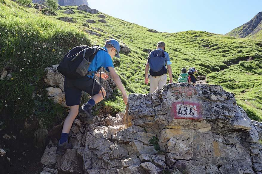 Hiking on the steep trail 436 between Passo Giau and Forcella Giau