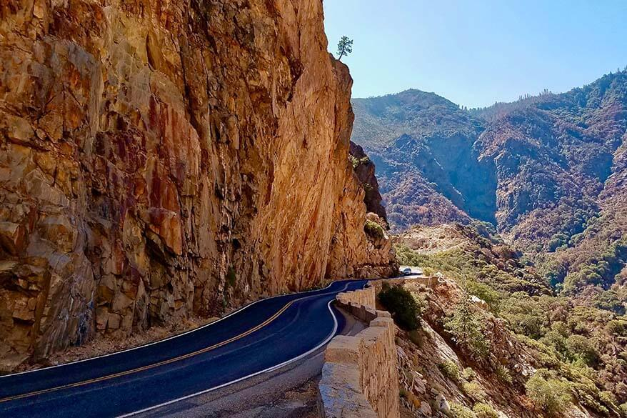Kings Canyon Scenic Byway in Kings Canyon National Park