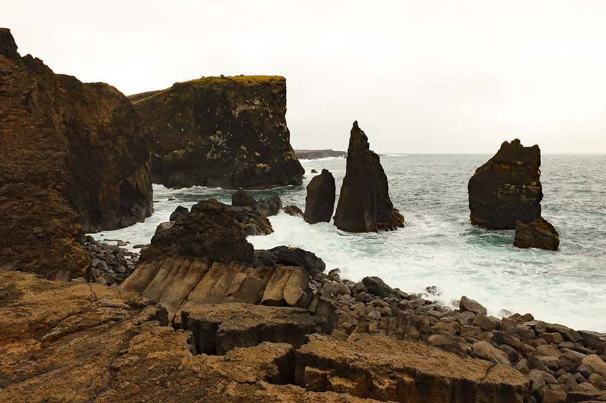 Valahnukamol clifs on Reykjanes Peninsula