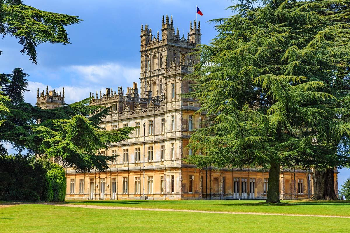 Highclere Castle is a popular London day trip for Downtown Abbey fans
