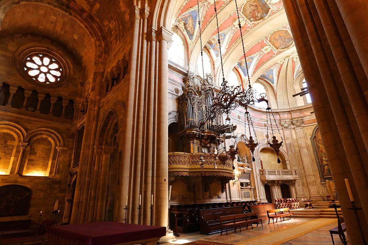 Lisbon Cathedral interior