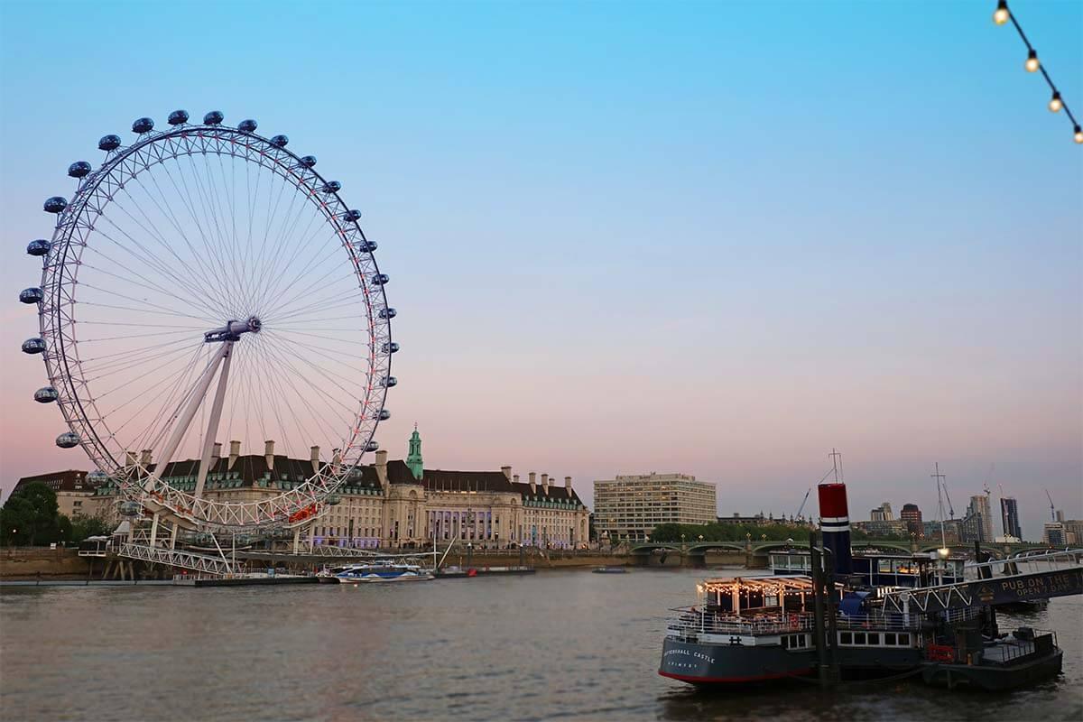 London Eye as seen from Golden Jubilee Bridges in the evening
