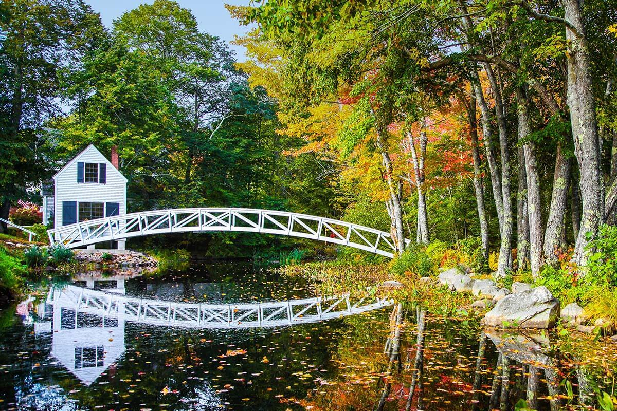 Somesville bridge in Acadia National Park in the fall