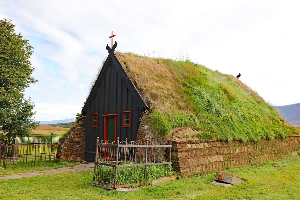 Iceland Ring Road self drive trip itinerary