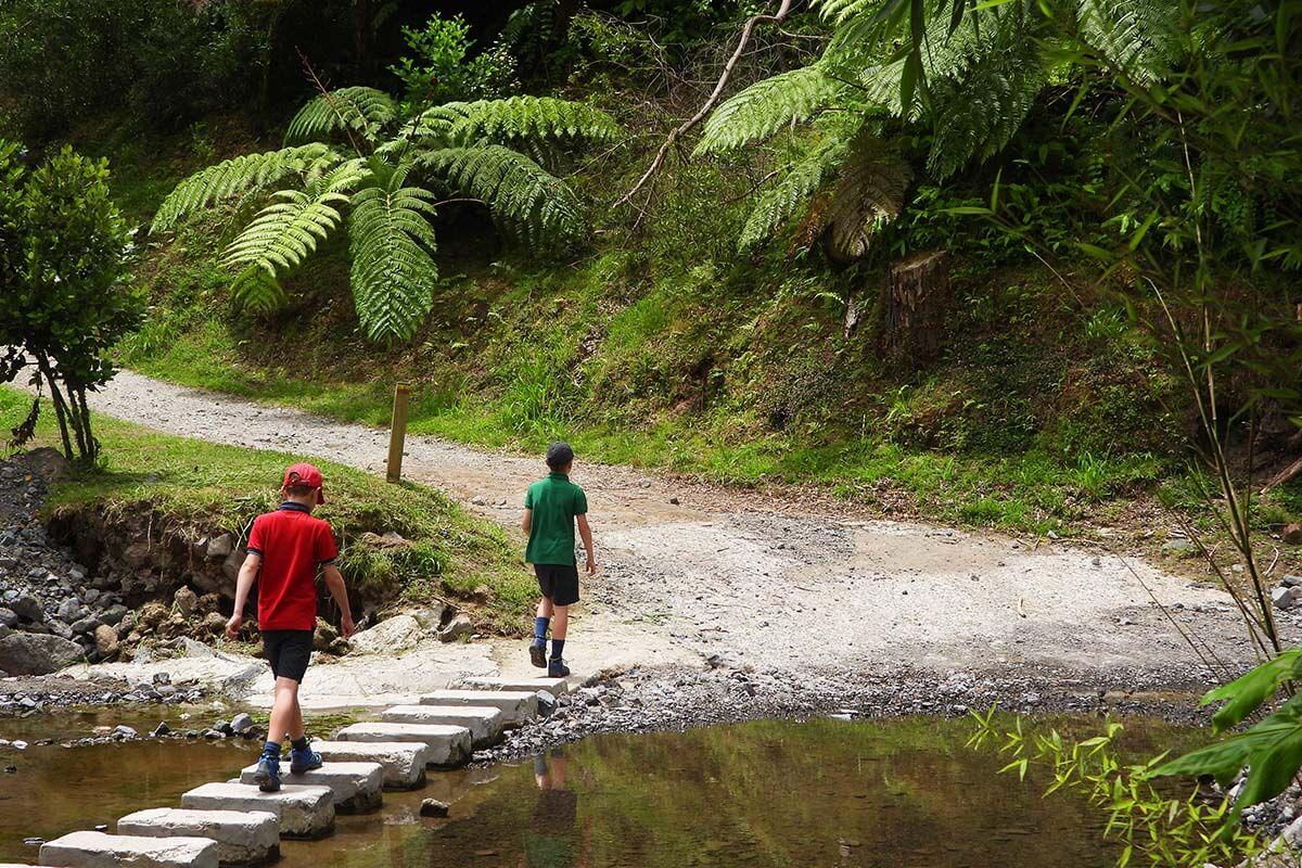 Best things to do in Furnas - hiking around Furnas Lake