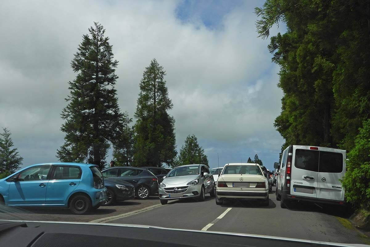 Busy traffic at Lagoa do Canario car parking at Sete Cidades