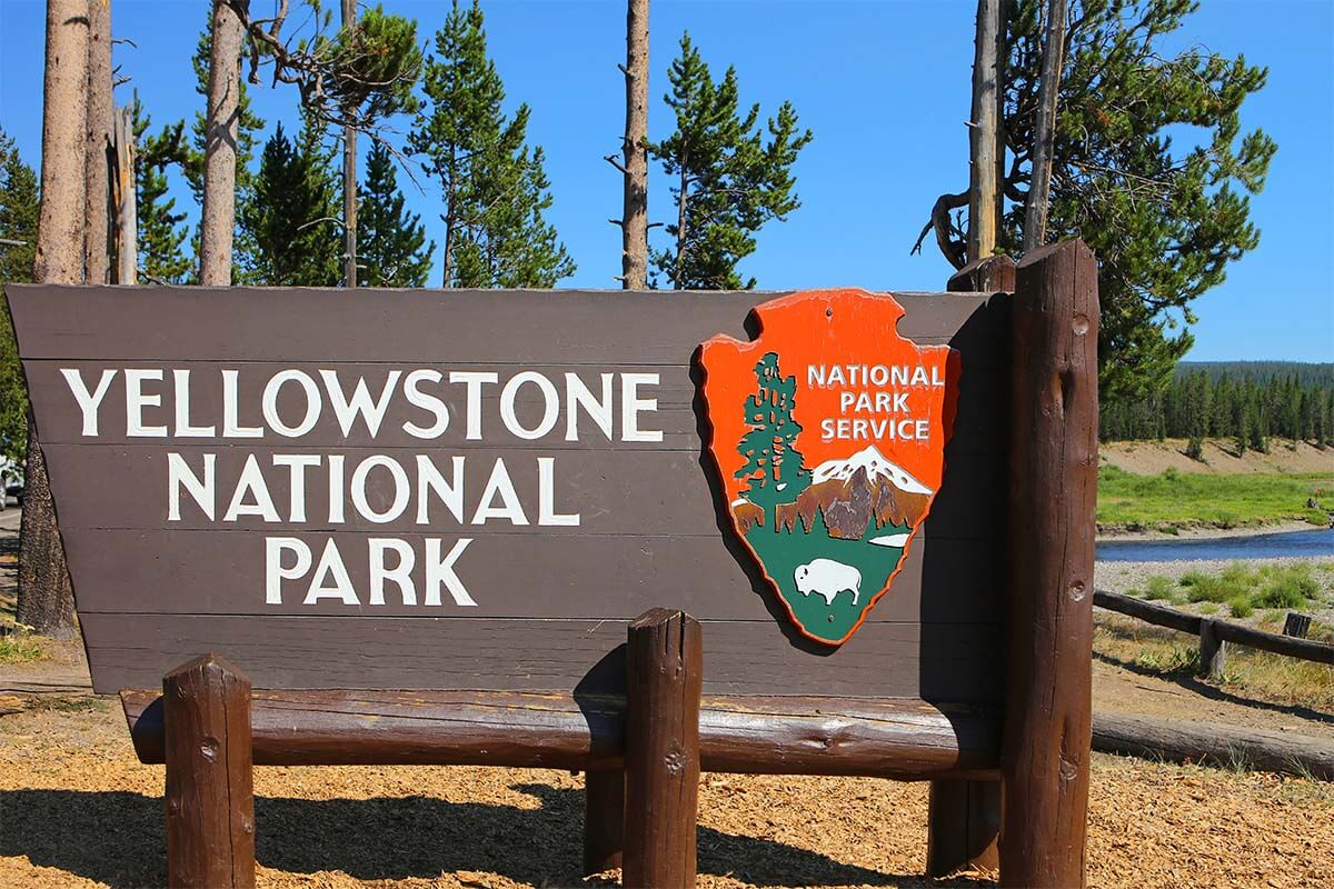 Best towns to stay and best hotels near Yellowstone National Park