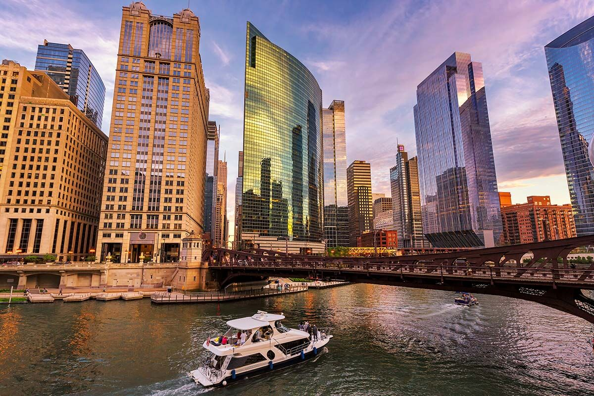 Traveling to Chicago for the First Time: 13 Tips & Tricks