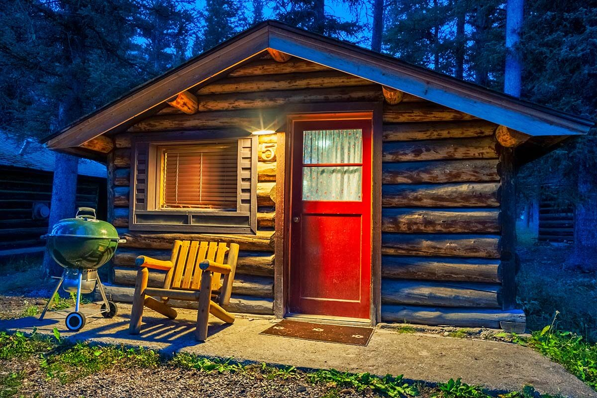 Silver Gate Lodging cabins near Yellowstone National Park